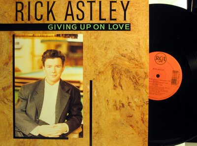 Astley, Rick - Giving Up On Love - 12 inch vinyl Maxi Single featureing 4 different versions of the Dance Club Favorite  - M10/NM9 - Maxi Singles