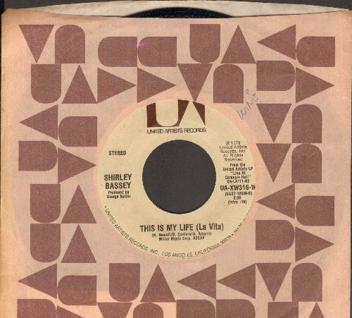 Bassey, Shirley - This Is My Life (La Vita)/Make The World A Little Younger - EX8/ - 45 rpm Records