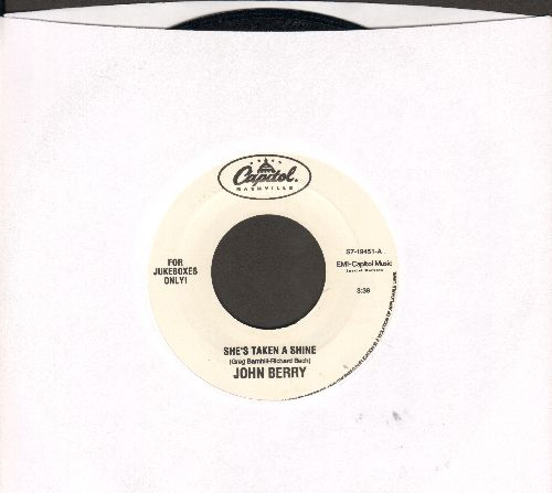 Berry, Johnny - She's Taken A Shine/Time To Be A Man - NM9/ - 45 rpm Records