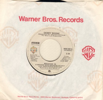 Boone, Debby - Breakin' In A Brand New Broken Heart (NICE cover of Connie Francis Classic)/When You're Loved (with Warner Brothers company sleeve) - M10/ - 45 rpm Records