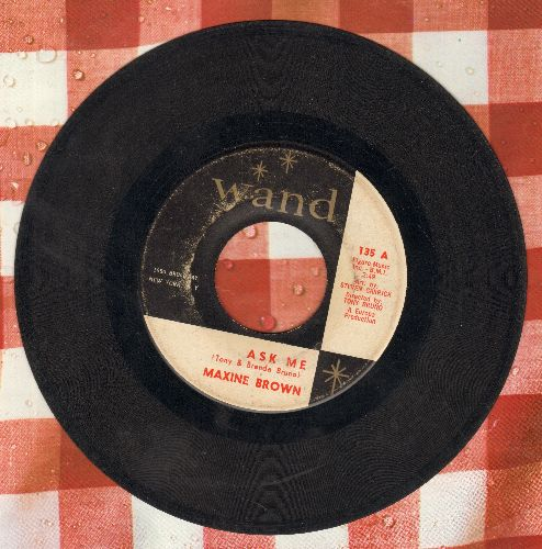 Brown, Maxine - Ask Me/Yesterday's Kisses - VG6/ - 45 rpm Records