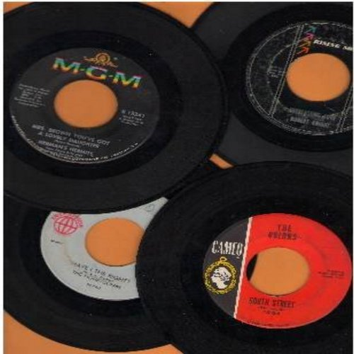 Orlons, Herman's Hermits, Honeycombs, Robert Knight - Rock & Roll 4-Pack. 4 original first issue 45s in very good or better condition. Hits include South Street, Everlasting Love, Have I The Right? And Mrs. Brown You've Got A Lovely Daughter. In plain whi
