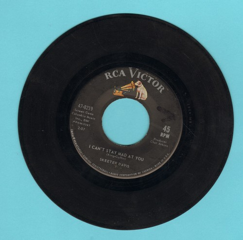 Davis, Skeeter - I Can't Stay Mad At You/It Was Only A Heart  - VG6/ - 45 rpm Records