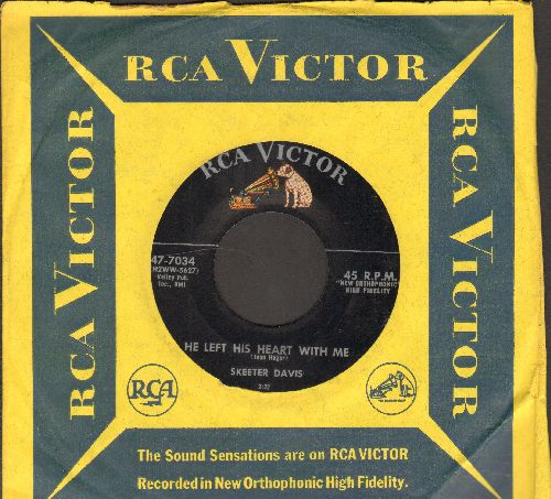 Davis, Skeeter - The Left His Heart With Me/Don't Let Your Lips Say Yes (with RCA company sleeve) - NM9/ - 45 rpm Records