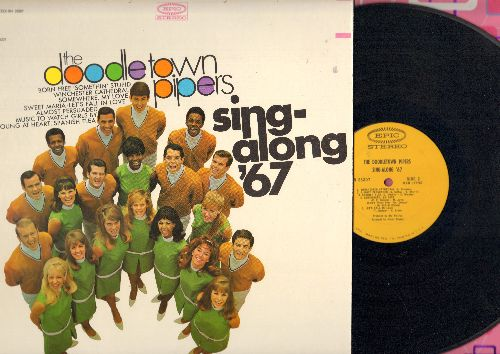 Doodletown Pipers - Sing-Along '67: Music To Watch Girls By, Somethin' Stupid, Winchster Cathedral, Born Free (vinyl STEREO LP record, song lyrics on back cover!) - NM9/NM9 - LP Records