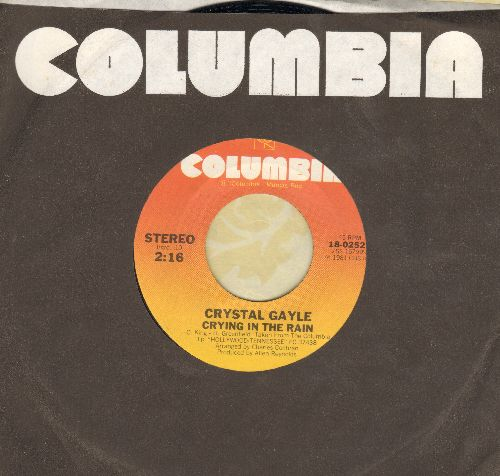 Gayle, Crystal - Crying In The Rain (VERY Pleasant female cover version of the Everly Brothers Hit)/The Woman In Me - NM9/ - 45 rpm Records