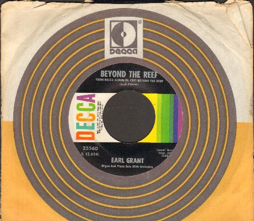 Grant, Earl - Beyond The Reef/Swingin' Gently (with Decca company sleeve) - NM9/ - 45 rpm Records