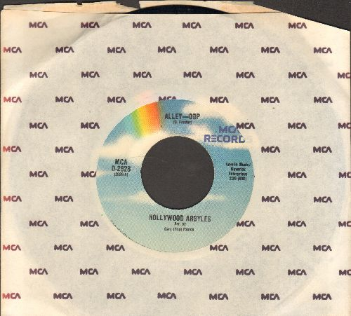 Hollywood Argyles - Alley-Oop/Sho' Know A Lot About Love (MINT condition re-issue of vintage recordings, with MCA company sleeve) - M10/ - 45 rpm Records