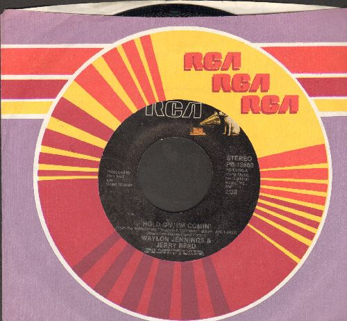 Jennings, Waylon & Jerry Reed - Hold On, I'm Comin' (FANTASTIC Country-Rock Version of the Motown Classic!)/Waiting On Down The Line (with RCA company sleeve) - NM9/ - 45 rpm Records