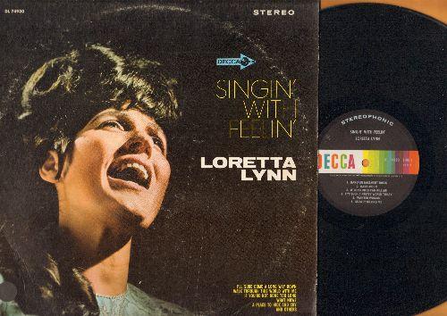 Lynn, Loretta - Singin' With Feelin': Bargain Basement Dress, Dark Moon, Secret Love, Walk Through This World With Me (vinyl STEREO LP record) - NM9/EX8 - LP Records