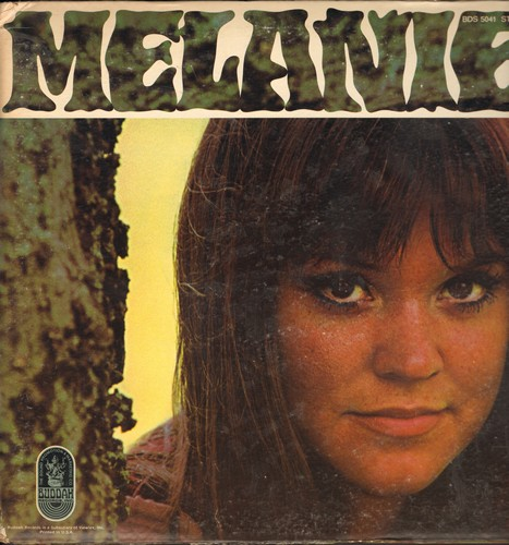 Melanie - Melanie: I'm Back In Town, Soul Sister Annie, Beautiful People, For My Father (vinyl STEREO LP record, gate-fold cover first pressing)(bb lower right corner) - NM9/VG7 - LP Records