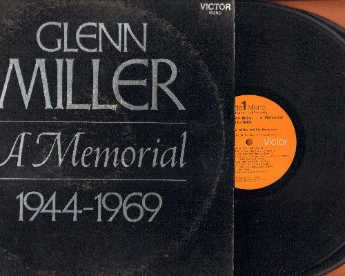 Miller, Glenn - Glenn Miller - A Memorial 1944-1969: Moonlight Sernade, In The Mood, Perfidia, At Last, American Patrol, A String Of Pearls (2 vinyl MONO LP records, gate-fold cover) - NM9/EX8 - LP Records