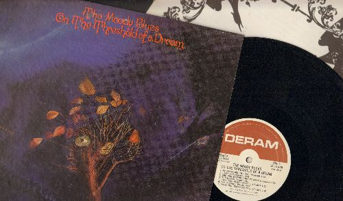 Moody Blues - On The Threshold Of A Dream - Vinyl STEREO LP record, gate-fold cover first pressing with BONUS 12 x 12 inch lyrics booklet! - NM9/EX8 - LP Records