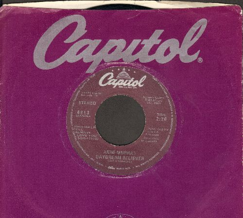 Murray, Anne - Daydream Believer/Do You Think Of Me (with Capitol company sleeve) - EX8/ - 45 rpm Records