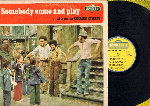 Sesame Street - Somebody Come And Play…With Me On Sesame Street (vinyl LP record) - VG7/VG7 - LP Records