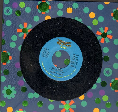 Short People - Tall People (RARE Answer to Randy Newman's Hit -Short People-)/Why's You Put It To Me Baby  - NM9/ - 45 rpm Records
