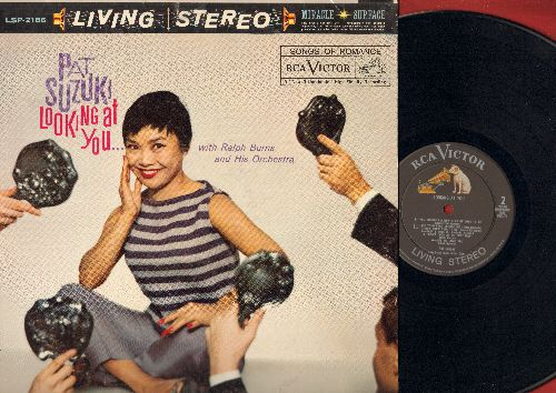 Suzuki, Pat - Looking At You: Small World, My Funny Valentine, Cheek To Cheek, Easy Living (vinyl Living STEREO LP record) - NM9/EX8 - LP Records