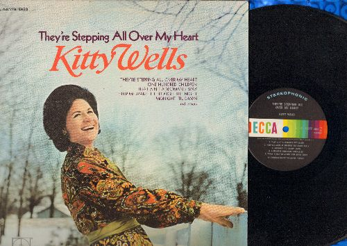 Wells, Kitty - They're Stepping All Over My Heart: Today I Started Loving You Again, Where Is The Catle, Just A Memory (That Blew In My Eye) (vinyl STEREO LP record) - NM9/EX8 - LP Records