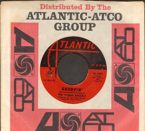 Young Rascals - Groovin' (On A Sunday Afternoon)/Sueno (with company sleeve) - NM9/ - 45 rpm Records