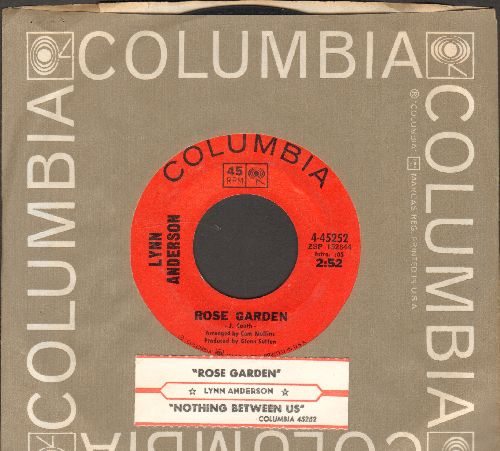 Anderson, Lynn - Rose Garden/Nothing Between Us (with juke box label Columbia company sleeve) - NM9/ - 45 rpm Records