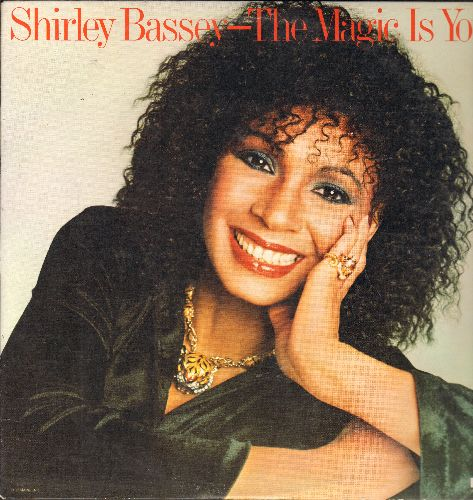 Bassey, Shirley - The Magic Is You: This Is My Life, Don't Cry For Me Argentina, Anyone Who Had A Heart, The Greatest Love Of All (Vinyl LP record) - EX8/EX8 - LP Records