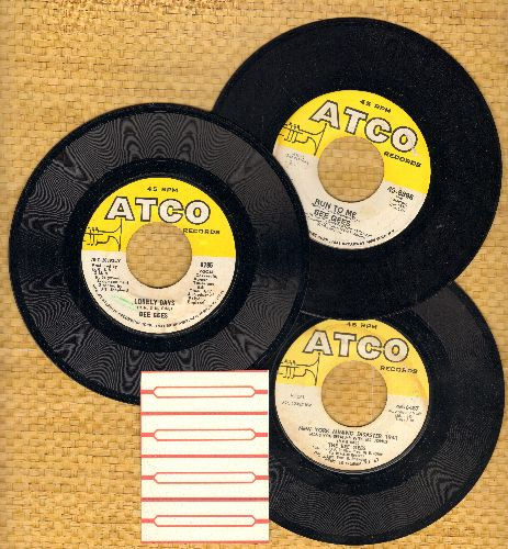 Bee Gees - 3-Pack of first issue Hits includes New York Mining Disaster 1941/Lonely Days/Run To Me (shipped in plain white paper sleeves with 4 blank juke box labels) - EX8/ - 45 rpm Records
