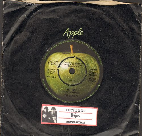 Beatles - Hey Jude/Revolution (British Pressing with juke box label and Apple company sleeve, removable spindle adapter) - NM9/ - 45 rpm Records