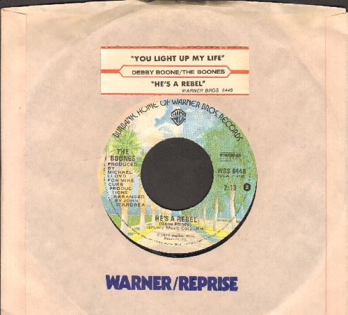 Boone, Debby - You Light Up My Life (SLOW-DANCE FAVORITE! - Spent 10 weeks at #1 of US Hot 100 Charts!)/He's A Rebel (RARE alternate flip-side!) (with juke box label und Warner Brothers company sleeve) - EX8/ - 45 rpm Records