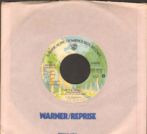 Boone, Debby - You Light Up My Life (SLOW-DANCE FAVORITE! - Spent 10 weeks at #1 of US Hot 100 Charts!)/He's A Rebel (RARE alternate flip-side!) (MINT condition with Warner Brothers company sleeve) - M10/ - 45 rpm Records