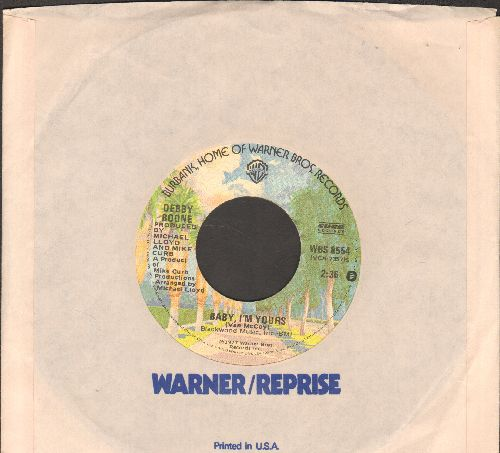 Boone, Debby - Baby, I'm Yours/God Knows (with warner Brothers company sleeve) - NM9/ - 45 rpm Records