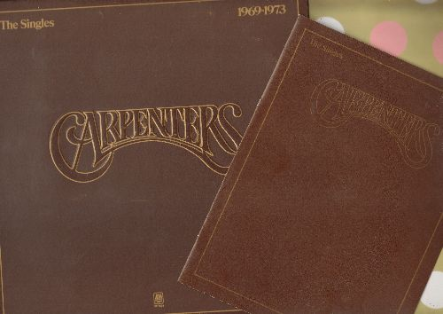 Carpenters - The Singles 1969-1973: We've Only Just Begun, Top Of The World, Ticket To Ride, Close To You, Sing, Rainy Days And Mondays (Vinyl STEREO LP record, gate-fold cover with BONUS song lyrics booklet!) - NM9/EX8 - LP Records