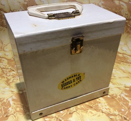 Carry Case for 45s - 1970s Solid White Carry Case for 45rpm records. Holds approximately 50-60 records. NICE gift for the nostaligic record collector! - VG7/ - Supplies