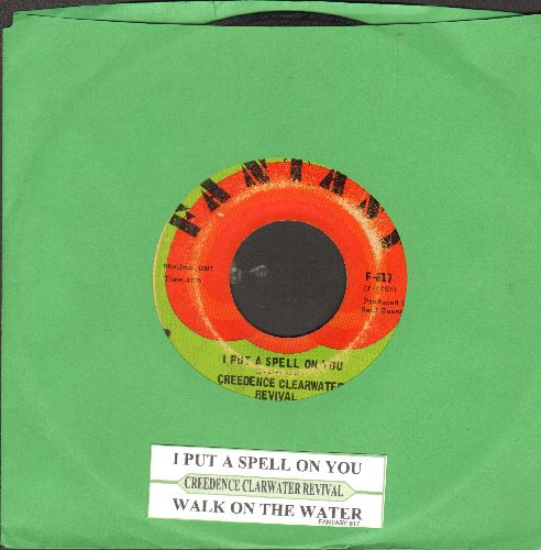 Creedence Clearwater Revival - I Put A Spell On You (HALLOWEEN Party Favorite!)/Walk On The Water (with juke box label) - G5/ - 45 rpm Records