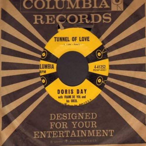 Day, Doris - Tunnel Of Love/Run Away, Skidaddle, Skidoo (with vintage Columbia company sleeve) - EX8/ - 45 rpm Records
