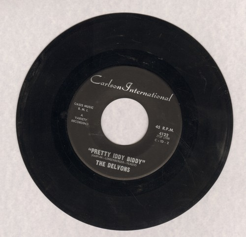 Delvons - Pretty Iddy Biddy/I Give You My Blessings - EX8/ - 45 rpm Records