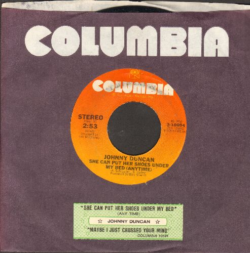 Duncan, Johnny - She Can Put Her Shoes Under My Bed (anytime)/Maybe I Just Crossed Your Mind (with juke box label and Columbia company sleeve) - NM9/ - 45 rpm Records