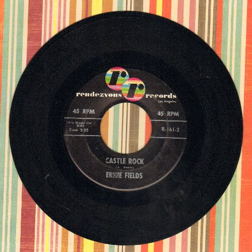 Fields, Ernie - String Of Pearls/Castle Rock - EX8/ - 45 rpm Records