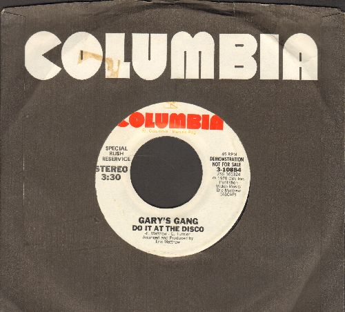 Gary's Gang - Keep On Dancin' (To The Funky Music)/Do It At The Disco (DJ advance pressing with Columbia company sleeve) - NM9/ - 45 rpm Records