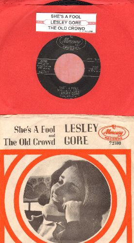 Gore, Lesley - She's A Fool/The Old Crowd (with picture sleeve and juke box label) - NM9/EX8 - 45 rpm Records