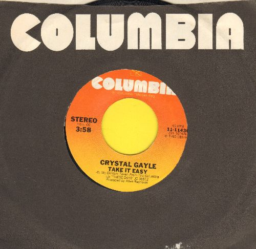 Gayle, Crystal - Take It easy/Ain't No Love In The Heart Of The City (with Columbia company sleeve) - NM9/ - 45 rpm Records