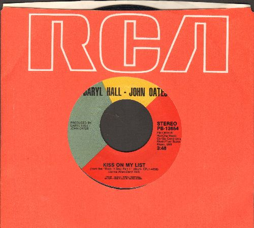 Hall & Oates - Say It Isn't So/Kiss On My List (with RCA company sleeve) - NM9/ - 45 rpm Records