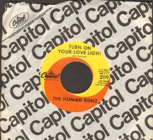 Human Beinz - Turn On Your Love Light/It's Fun To Be Clean (with Capitol company sleeve) - EX8/ - 45 rpm Records