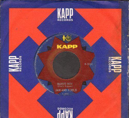 Jan & Kjeld - Banjo Boy (German)/Don't Raise A Storm (Mach doch nicht immer so viel Wind) (US Pressing with KAPP company sleeve, sung in German) - VG7/ - 45 rpm Records