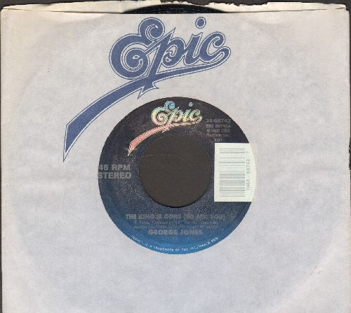 Jones, George - The King Is Gone (So Are You)/Don't You Ever Get Tired (Of Hurting Me) (with Epic company sleeve) - M10/ - 45 rpm Records