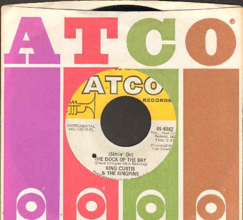 Curtis, King & The Kingpins - (Sittin' On) The Dock Of The Bay/This Is Soul (with Atco company sleeve, bb) - EX8/ - 45 rpm Records