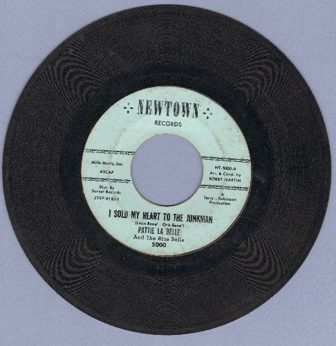 LaBelle, Pattie & The Blue Bells - I Sold My Heart To The Junkman/Itty Bitty Twist (early pressing) - VG7/ - 45 rpm Records
