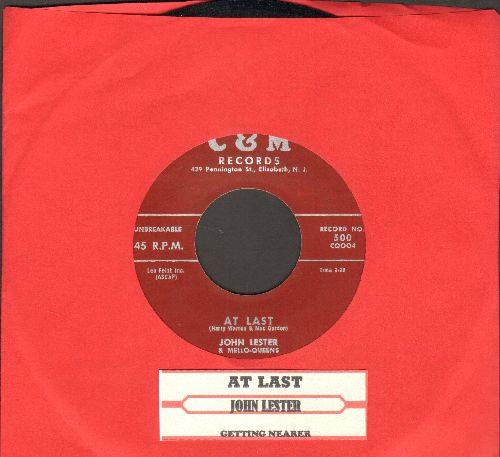 Lester, John - At Last (VERY NICE male version of the Etta James Classic!)/Getting Nearer (with juke box label) - NM9/ - 45 rpm Records