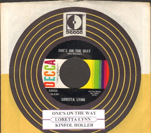 Lynn, Loretta - One's On The Way Kingfolk Holler (with juke box label and Decca company sleeve) - NM9/ - 45 rpm Records