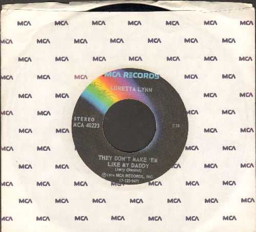 Lynn, Loretta - They Don't Make 'Em Like My Daddy/Nothin' (with MCA company sleeve) - NM9/ - 45 rpm Records
