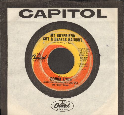 Lynn, Donna - My Boyfriend Got A Beatles Hairvut/That Winter Weekend (with Capitol company sleeve) - VG6/ - 45 rpm Records